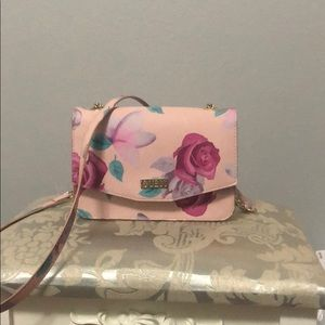 Guess floral crossbody purse